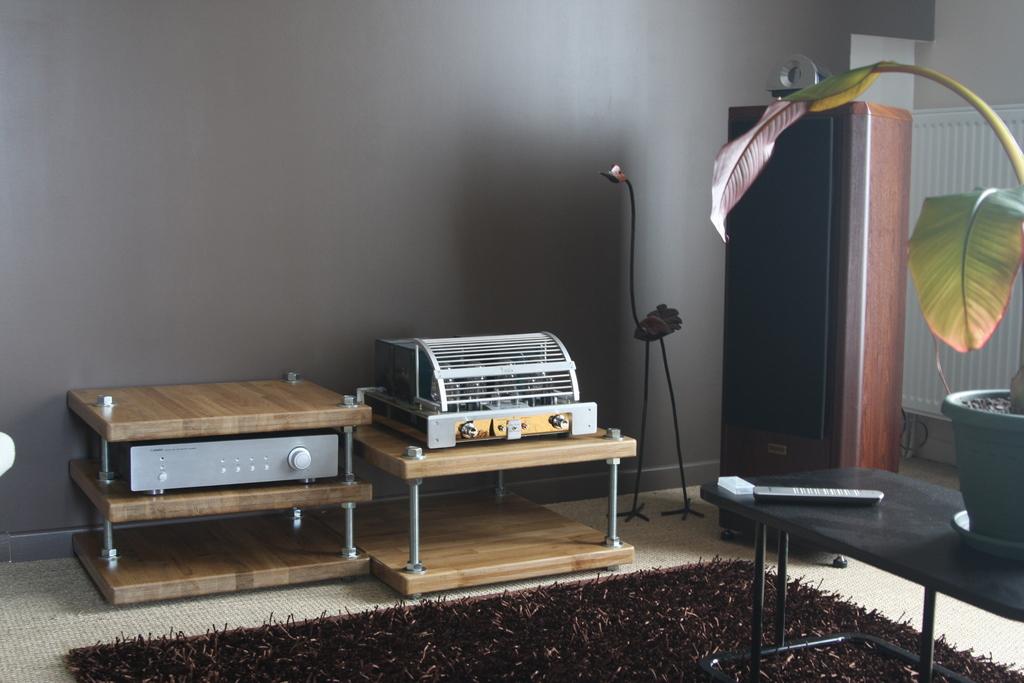 meuble diy hifi base de tiges filet es page 3 29915372 sur le forum meubles et. Black Bedroom Furniture Sets. Home Design Ideas