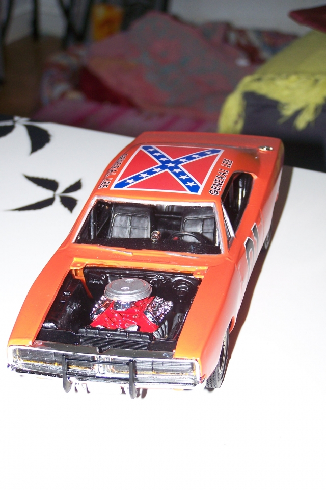 création voiture miniature 091002112850648714563235