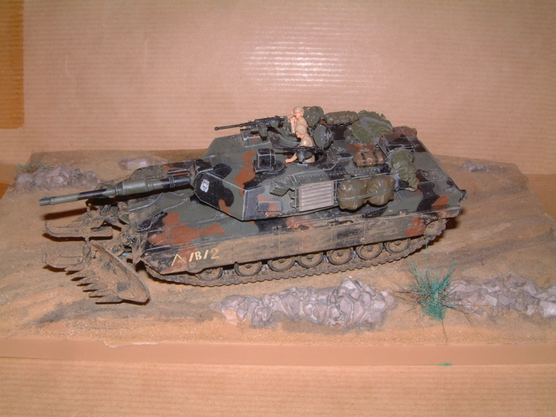 M1A1 with mine plough (1/72 DRAGON) 091010100626588624612883