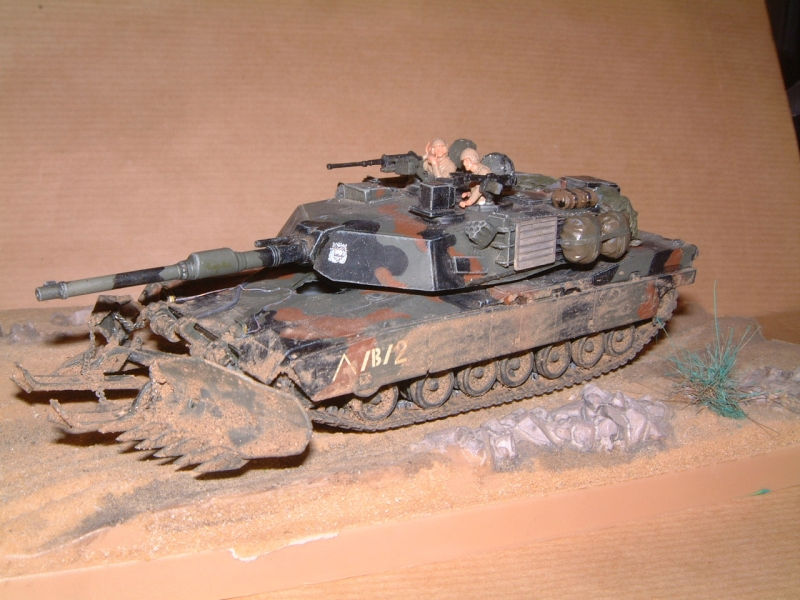 M1A1 with mine plough (1/72 DRAGON) 091010100630588624612885