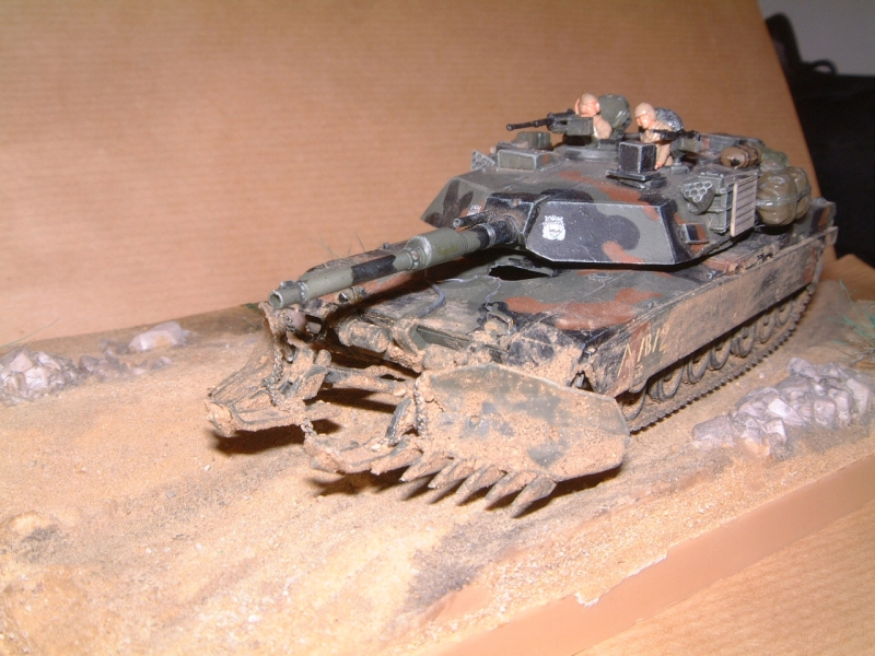 M1A1 with mine plough (1/72 DRAGON) 091010100634588624612886