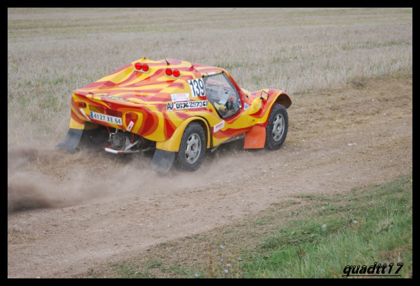 quelques photos de buggy - Page 2 091013064951614384632949