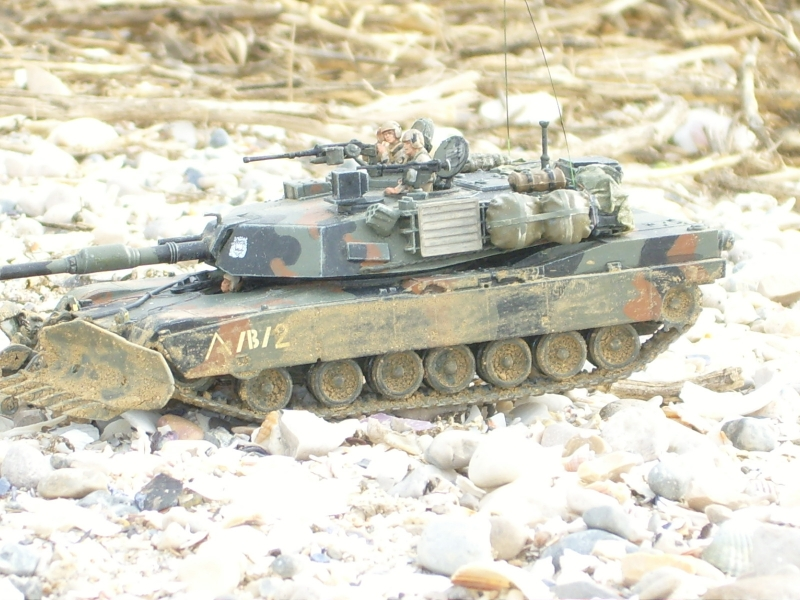 M1A1 with mine plough (1/72 DRAGON) 091105024348588624790578