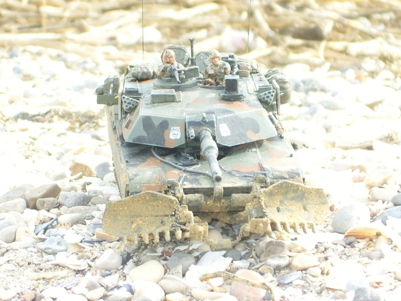 M1A1 with mine plough (1/72 DRAGON) 091105024358588624790580