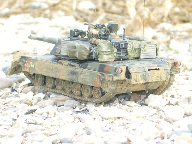 M1A1 with mine plough (1/72 DRAGON) 091105024418588624790586