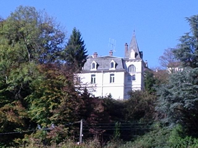 Châteaux et Demeures Anciennes dans histoire 091112114033298824847351