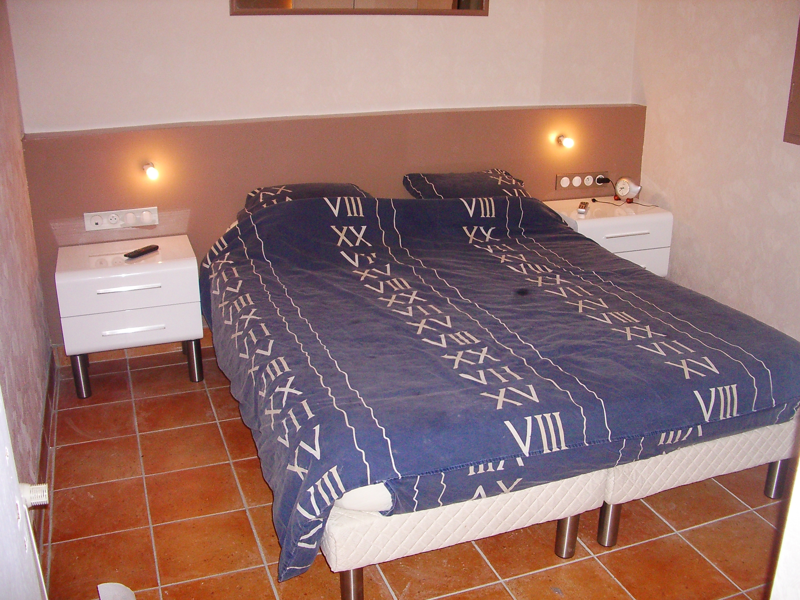 Placo Tete De Lit chambre : idée pour tête de lit et table de chevet