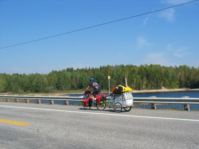 CYCLO TOURISME AVEC UN CHIEN