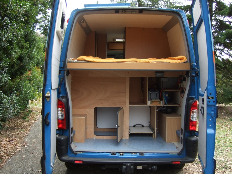 comment amenager renault master camping car. Black Bedroom Furniture Sets. Home Design Ideas