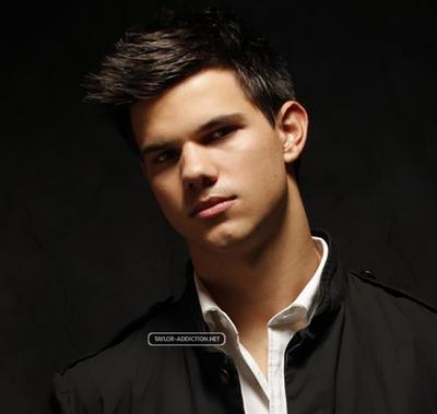 Photoshoot Hot Topic - 2009 [Taylor Lautner] 091124105559887484926665