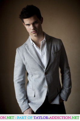 Photocall Hot Topic - 2009 [Taylor Lautner] 091124105806887484926676