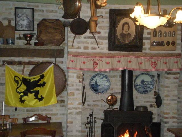 """""""In de nieuwe Smisse"""", de Vlaamse herberg van Leffrinkhoeke 091206073448440055005157"""