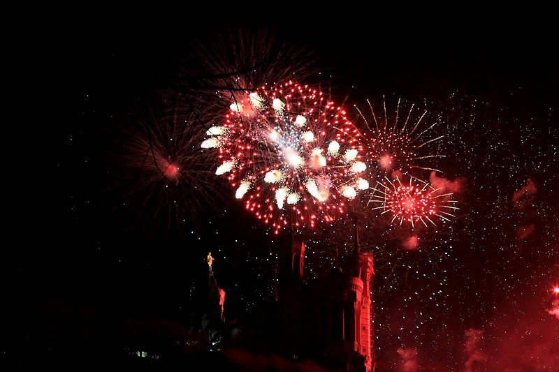 Feu d'artifice 09121403050445325054153