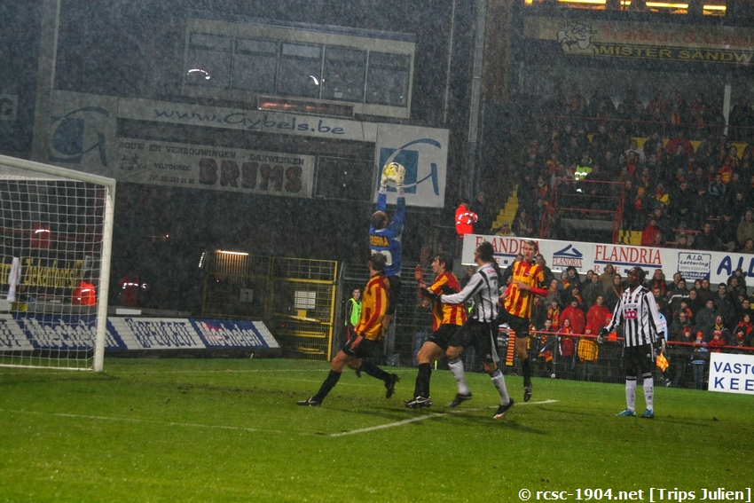F.C.Malines. - R.Charleroi.R.C.  [Photos][1-0] 091231013043533125153308