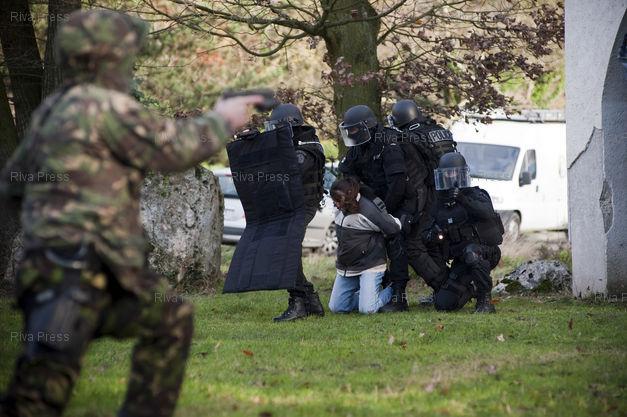 法国国家反恐大赛[24P]