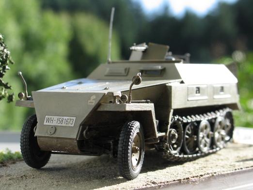 sdkfz 250/1 'neue' Dragon 1/35 100114125424667015243444