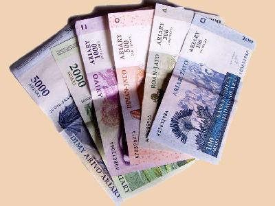 la situation de la monnaie nationale malgache l ariary ne cesse de chuter la vie d 39 ici et d. Black Bedroom Furniture Sets. Home Design Ideas