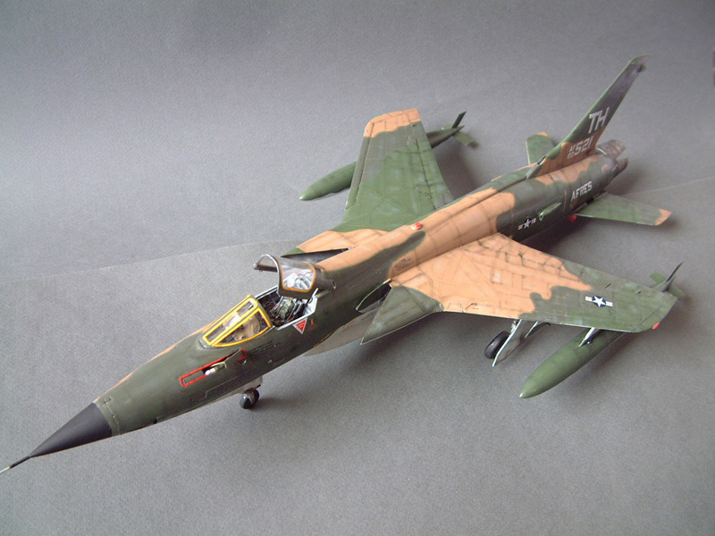 [HobbyBoss] F-105D Thunderchief, 1/48e 100125021720476905314690