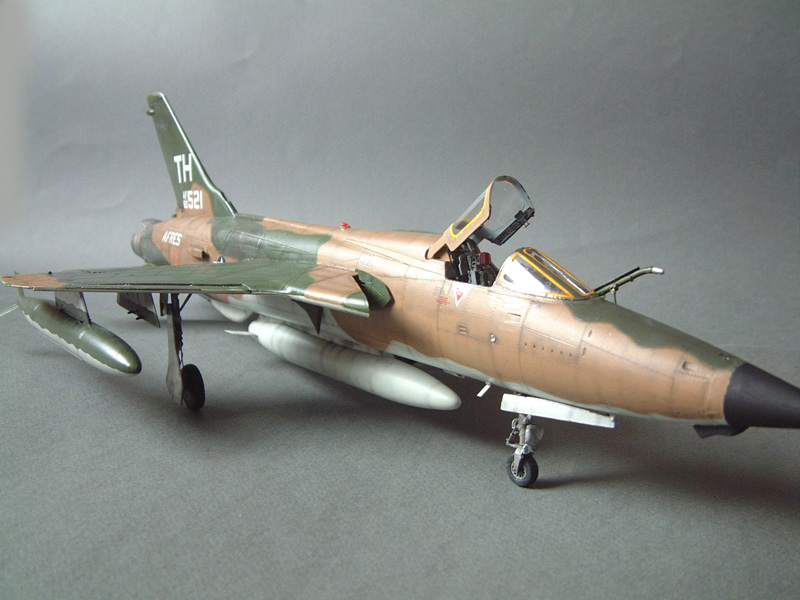 [HobbyBoss] F-105D Thunderchief, 1/48e 100125021822476905314701