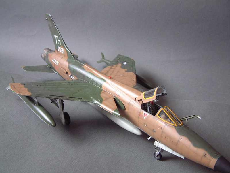 [HobbyBoss] F-105D Thunderchief, 1/48e 100125021834476905314703