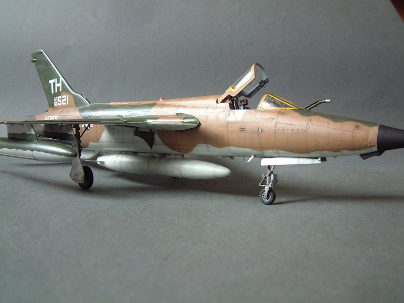 [HobbyBoss] F-105D Thunderchief, 1/48e 100125021846476905314705