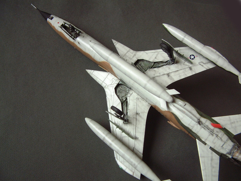 [HobbyBoss] F-105D Thunderchief, 1/48e 100125022015476905314714
