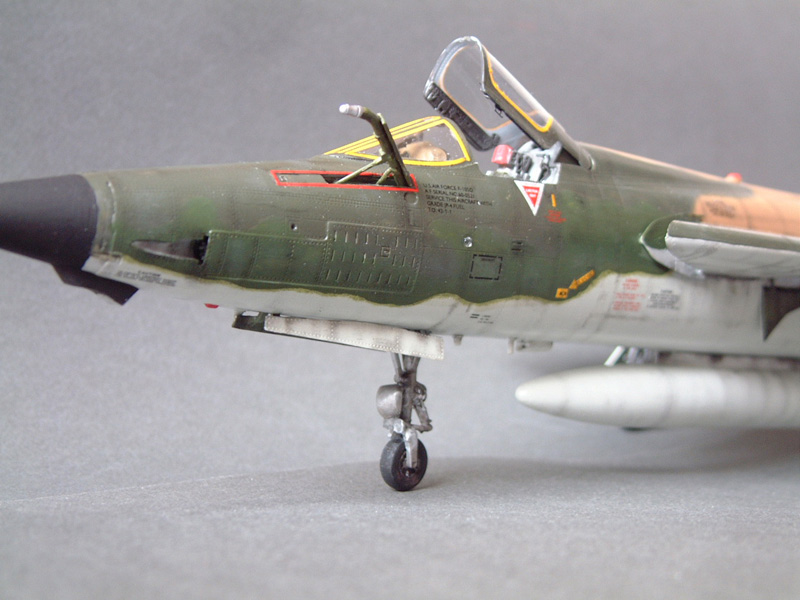 [HobbyBoss] F-105D Thunderchief, 1/48e 100125022048476905314718