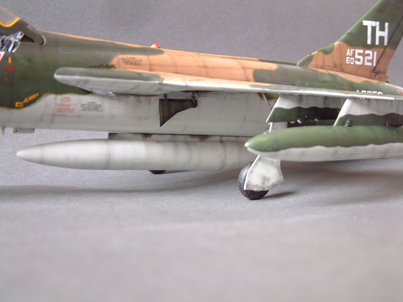 [HobbyBoss] F-105D Thunderchief, 1/48e 100125022104476905314719