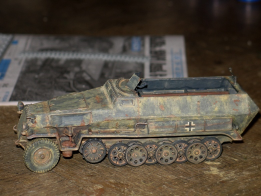 sdkfz 251/1 c riveté Dragon 1/35 - Page 3 100126081308667015321845