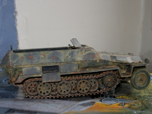 sdkfz 251/1 c riveté Dragon 1/35 - Page 3 100127120401667015324074