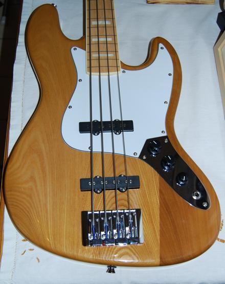 Pick ups jazz bass (changés sur basse SX SJB-75 LTD -photos) 100129031305546395334488