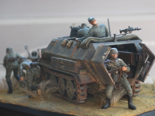 Sd.Kfz. 251/1 c riveté Dragon 1/35 Rénové! :) 100201010402667015355652