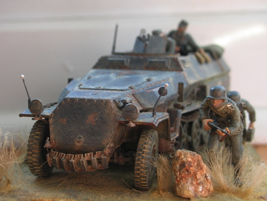 Sd.Kfz. 251/1 c riveté Dragon 1/35 Rénové! :) 100201010442667015355657