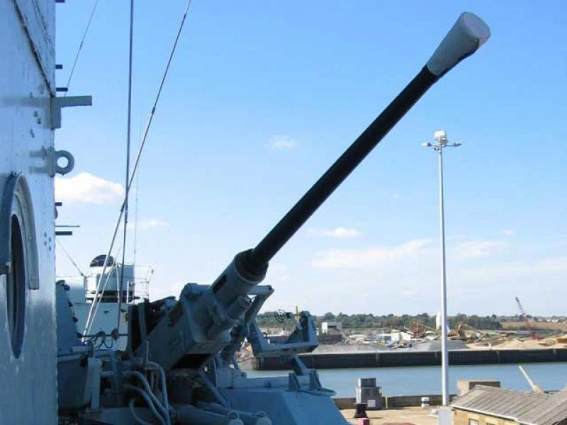 """Connaissez-vous """"the historic dockyard"""" ? - Page 2 100201040600901225356629"""