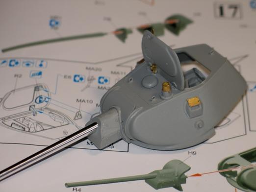T34/76 Dragon 1/35 modèle 1941+pilotes zvesda 100202054433667015363564