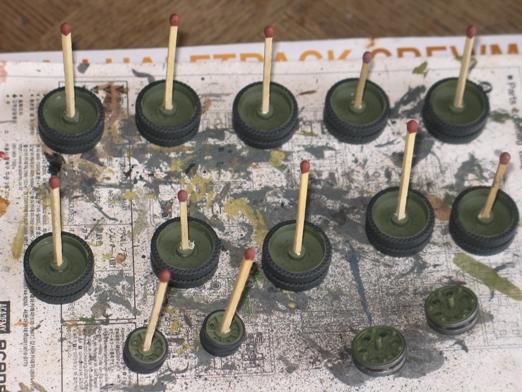 T34/76 Dragon 1/35 modèle 1941+pilotes zvesda - Page 2 100207125000667015390930