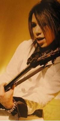 Aoi (The GazettE) 100217030431988195457021