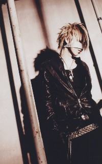 Reita (The GazettE) 100217065235988195457287