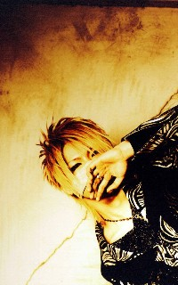 Reita (The GazettE) 100217065235988195457288