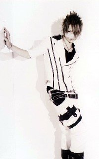Reita (The GazettE) 100217065236988195457289